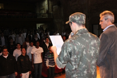 Jovens recebem CDI e juram fidelidade à Pátria